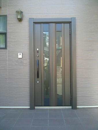 広島県呉市 玄関ドア施工例
